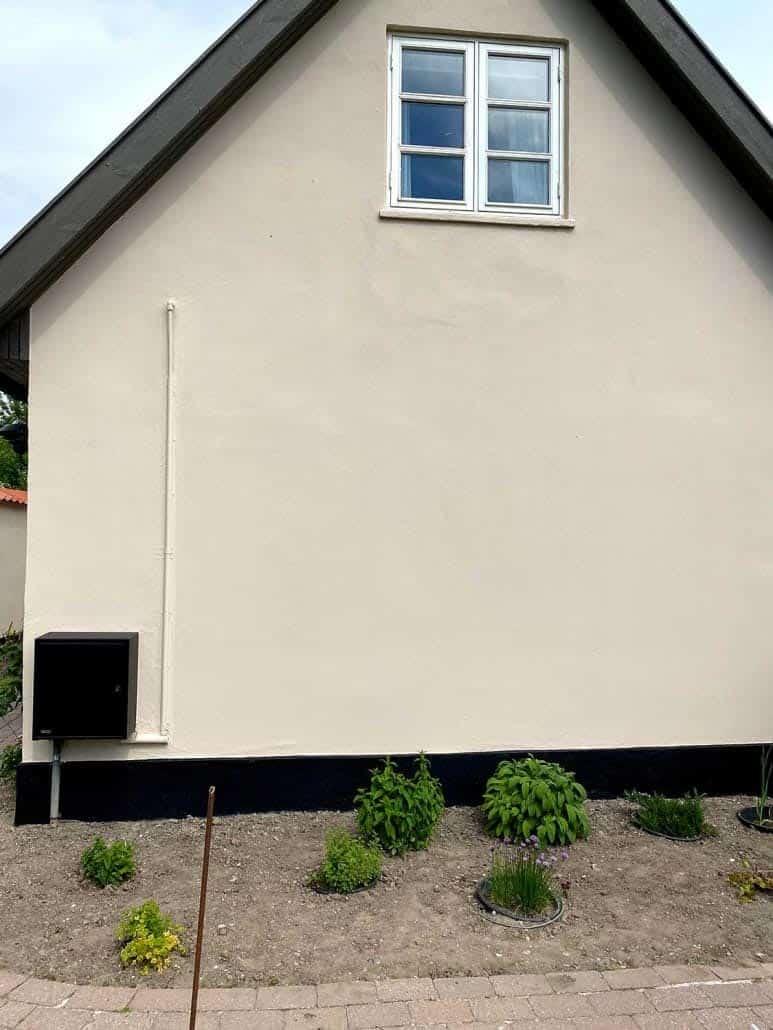 Hus efter det har fået malet facaden